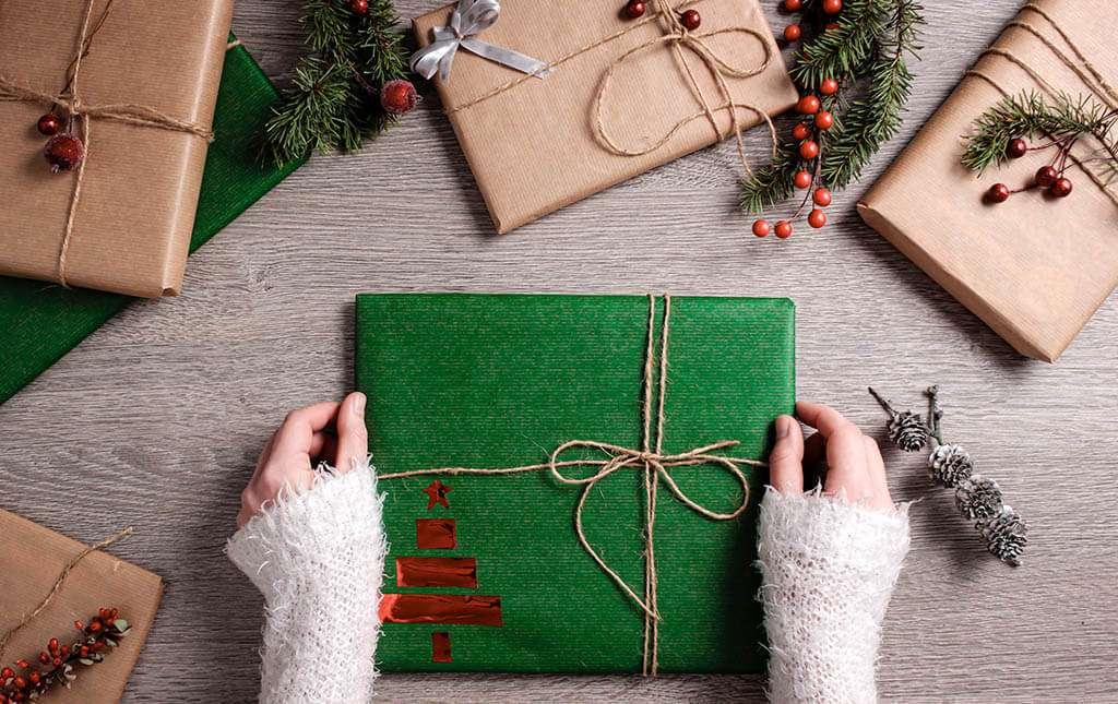 Idee Di Regali Di Natale.Regali Di Natale Aziendali 2020 10 Idee Di Rtg Artline Di Castellarano