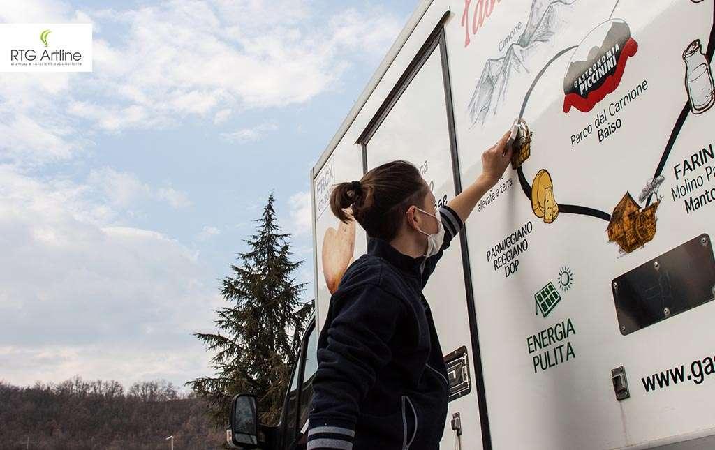 car wrapping adesivi personalizzazione automezzi rtg artline castellarano furgoni